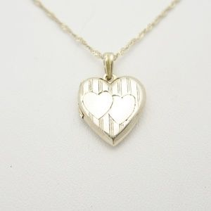 Jewelry - 10K Gold Double Heart Locket Pendant Necklace